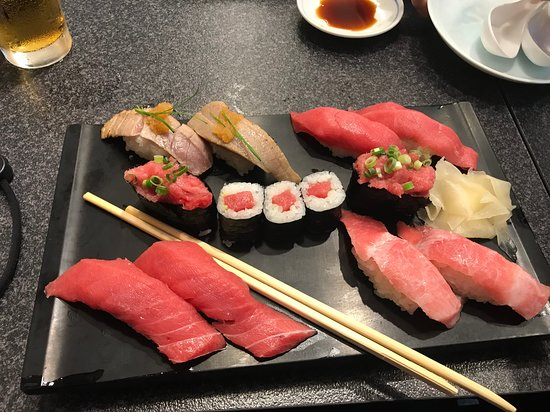Sushizanmai Tsukijiekimae-ten: My Tuna Sushi platter