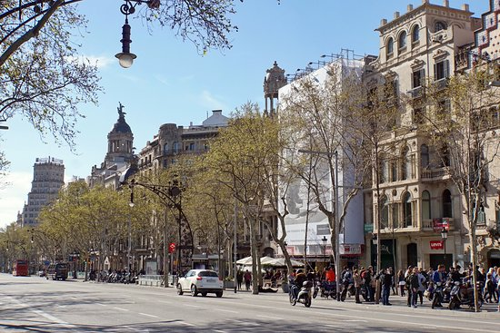 L'Eixample District