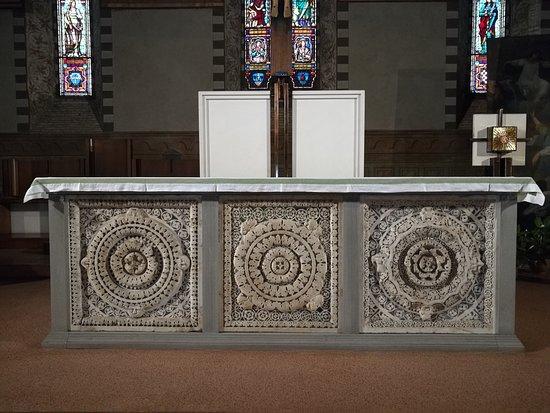 San Giovanni Fuoricivitas: der Altar
