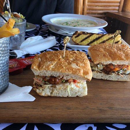 Captain Andy's Beach Bar & Grill: photo2.jpg
