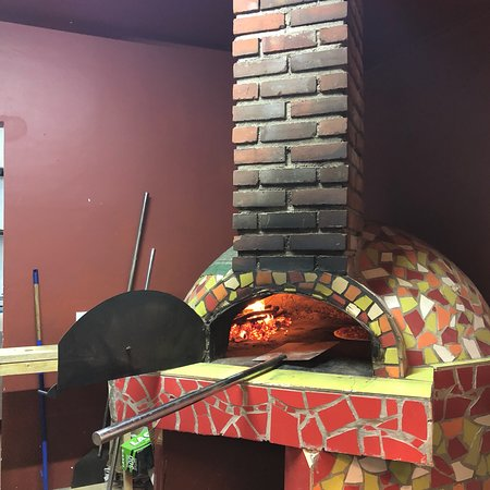 DelTano's Wood Fired Pizza & Pasta