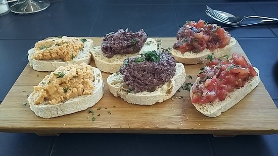 Tas-Serena Cafe & Restaurant: Brochettas