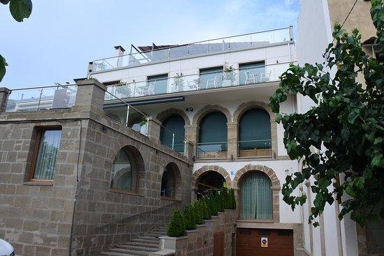 Guissona, Espagne : Hôtel côté rue.