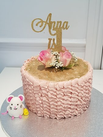 Groovy 1St Birthday Cake Picture Of Laura Kate Cake Boutique Welwyn Funny Birthday Cards Online Alyptdamsfinfo