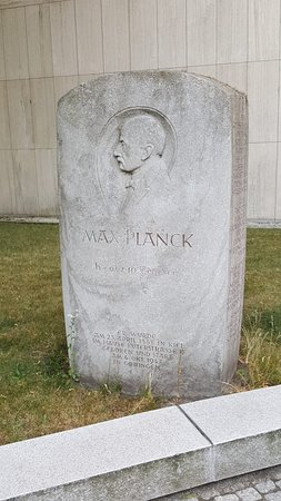 Max Planck Denkmal