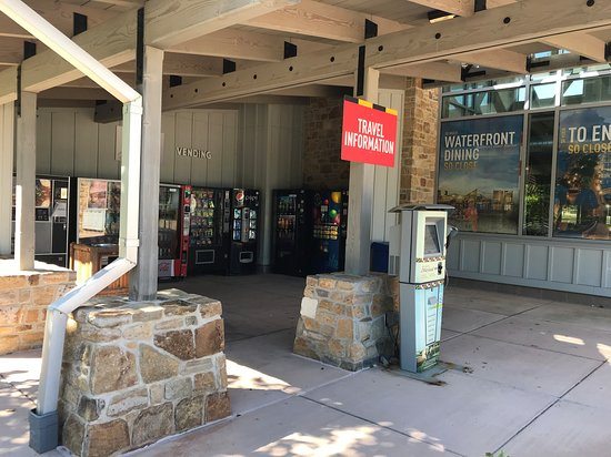 Myersville, MD: South Mountain East Welcome Center vending machines