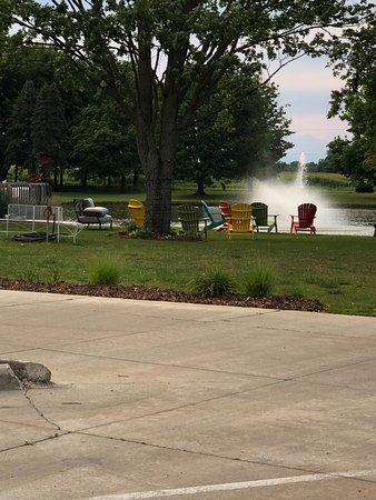 Ashland, OH: Lake and edge of outside seating