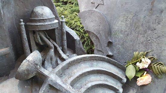Mahnmal fur die zerstorte Synagoge