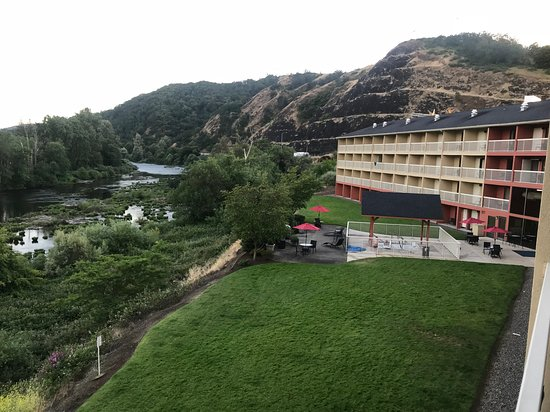 Holiday Inn Express Roseburg: View from the balcony