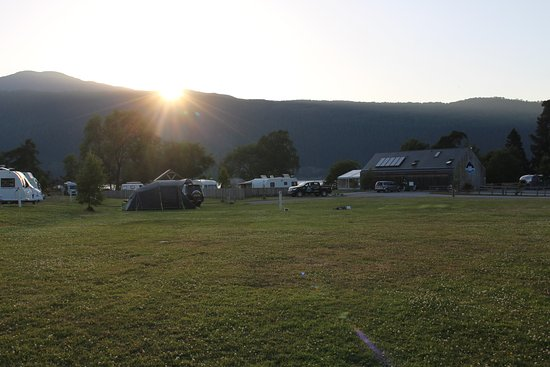 Loch Ness Shores: Campsite reception