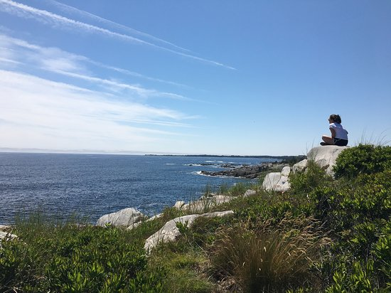 Port Medway, Canada: Sitting on the edge of the earth just past the lightouse