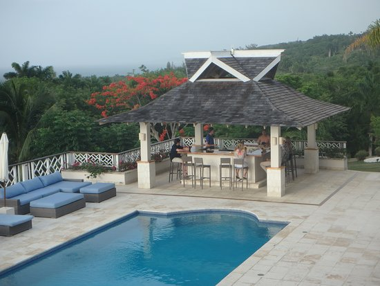 Sandy Bay, Giamaica: Pool and Bar