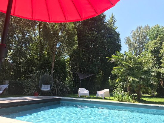 Metairie Montplaisir: Relaxing pool