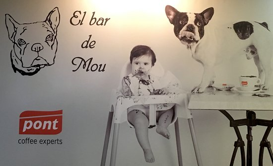 "Inca, Spanien: Large picture on wall of baby plus ""Mou"""