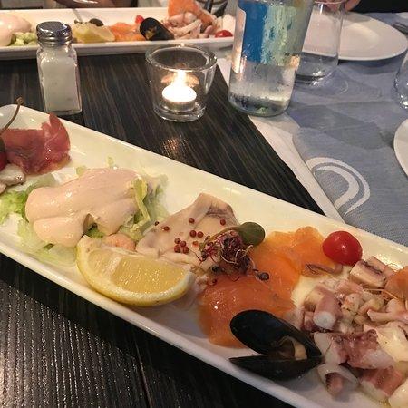 Delfino Blu Restaurant & Pizza : photo2.jpg