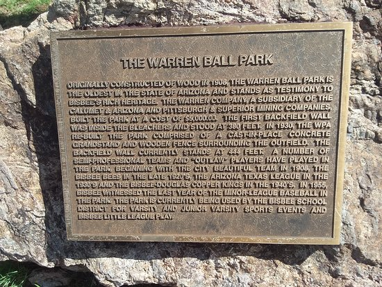 Warren Ballpark: Plaque with the history of the ball park, which is still used today.