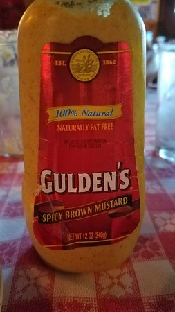 Round Top, État de New York: Uh, this is not German mustard, I'm sorry...