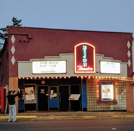 Bijou Theatre Lincoln City, OR.  May 2018. Cute single screen hometown theatre.