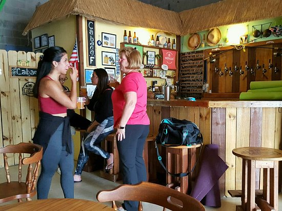 Opa Locka, Флорида: Bar area