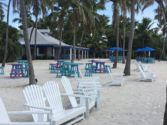 Morada Bay: Dine in the sand