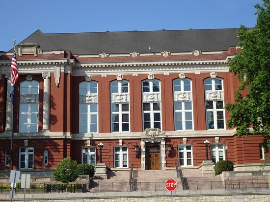 ‪Missouri Supreme Court Building‬