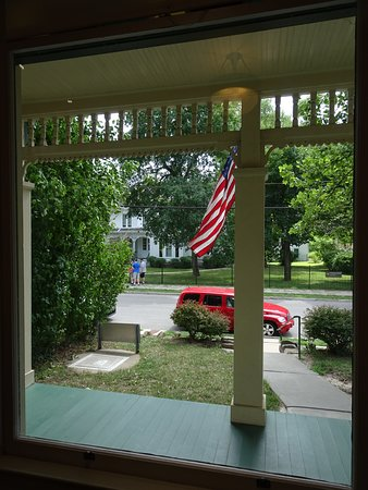 Independence, MO: right across the Truman Home