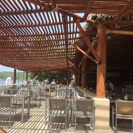 Playa, diversión,comida y aperitivos en uno solo