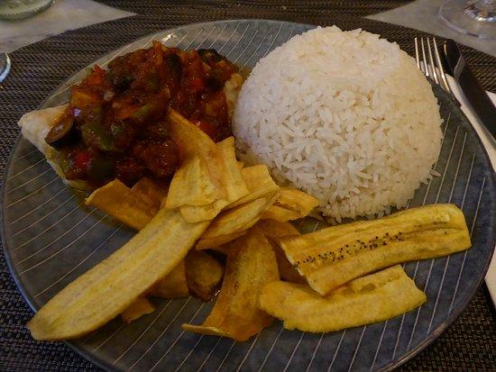 Fish Veracruz with plantains