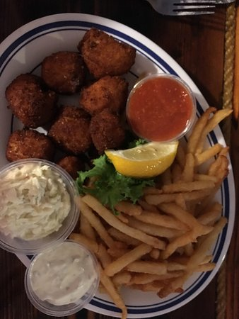 Harvey Cedars, Nueva Jersey: Delicious fried scallops and fries.