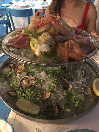 Ristorante & Beach Club Il Riccio: Seafood platter is a must have!