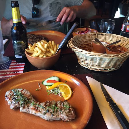Farmer´s Steakhouse, Steak naar keuze + stokbrood + salade