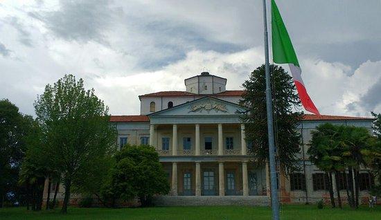 Villa Caccia (Sec. XIX)
