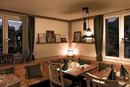 Steinach, Szwajcaria: Wenn es draussen kälter wird, lassen sich feine Fischknusperli auch im Restaurant geniessen.