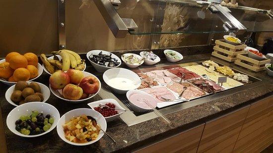 Miesenbach, Austria: breakfast