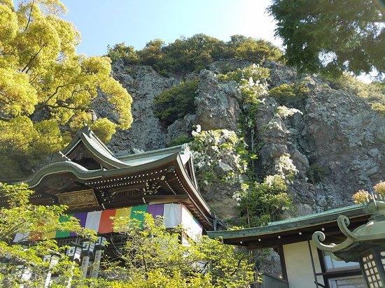 Nishinotakiryusui Temple