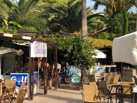 Fantasia Hotel De Luxe Kusadasi : İşte söz konusu makina
