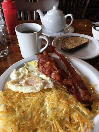 Old Saloon: Breakfast