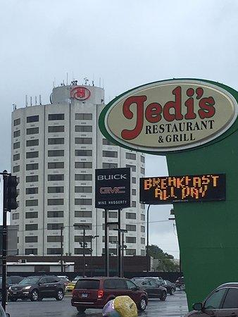 jedis garden restaurant less than three blocks from the hilton hotel - Jedis Garden