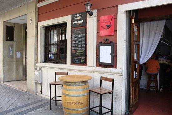 Terraza Fumadores Picture Of Restaurante Taberna Pradera