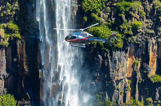 Hanapepe, Hawái: Soar the sky of Kauai with a Maverick Helicopter