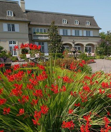 Kendall-Jackson Wine Estate & Gardens: Front entry