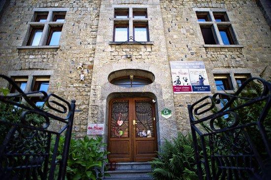 Hastière-Par-Delà, Belgia: Vue de la façade d'Au Plaisir (c) John Swijsen