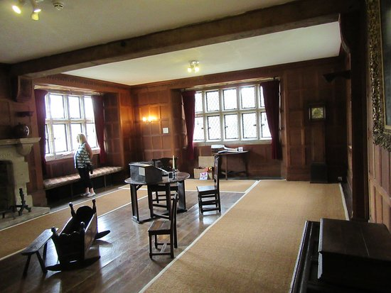 Arlington, UK: Inside the Priory