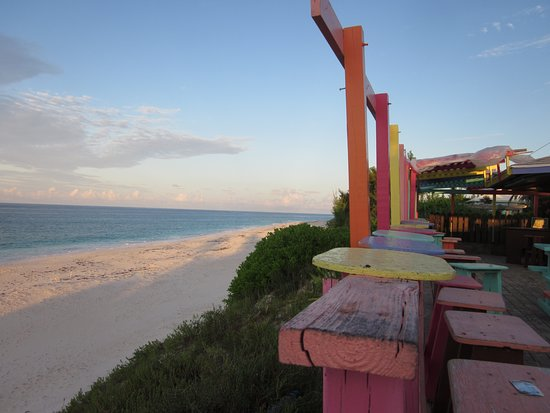 Great Guana Cay: beach view from Nippers
