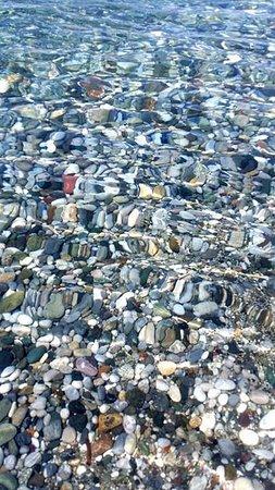 Pefki Beach: Καθαρή θάλασσα