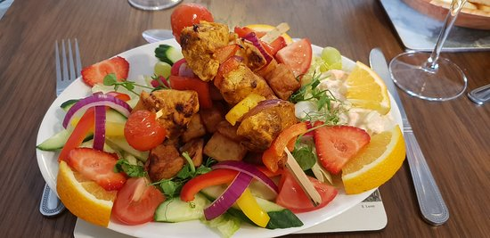 Rennington, UK: chicken tikka skewers