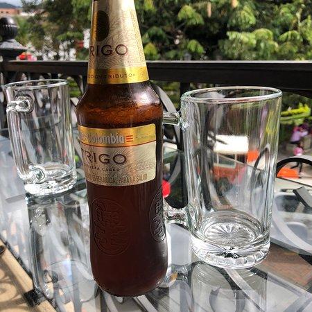 Pacho, Colombia: Bonita terraza con vista al parque