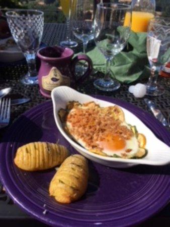 Chehalem Ridge Bed and Breakfast: soft baked eggs with garden fresh zucchini