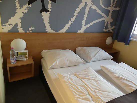 Hahn, Jerman: lit double dans chambre familiale
