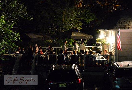 Cafe Sapori: Patio at night